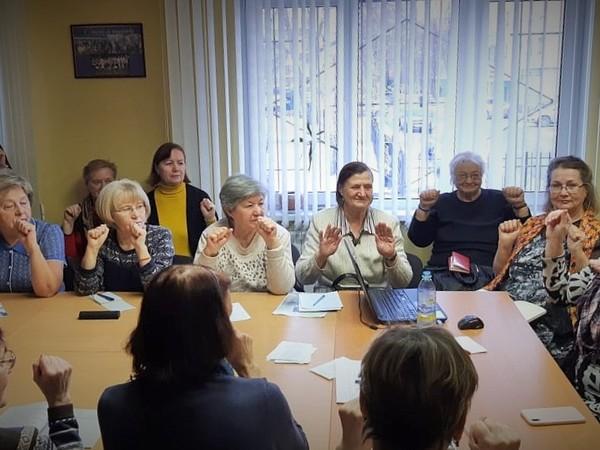 Занятия в «Школе здоровья» Екатеринбурга продолжаются