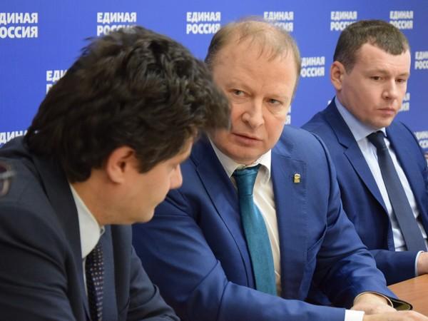 Александр Высокинский и Антон Шипулин приняты в ряды «Единой России»