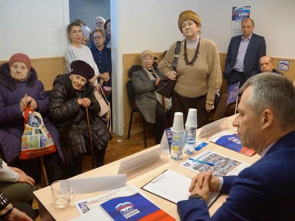 Октябрьское МОП открыло общественную приемную на Синих Камнях