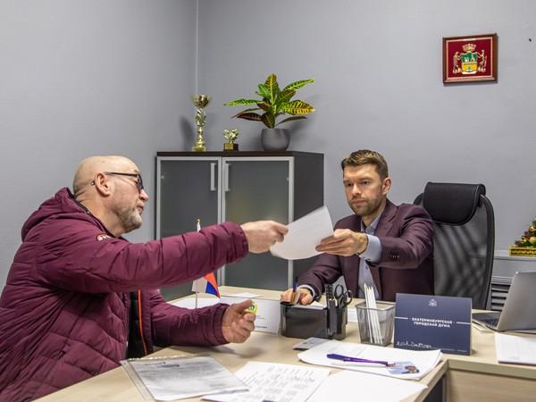 Депутат Екатеринбургской городской Думы Алексей Вихарев провел прием граждан