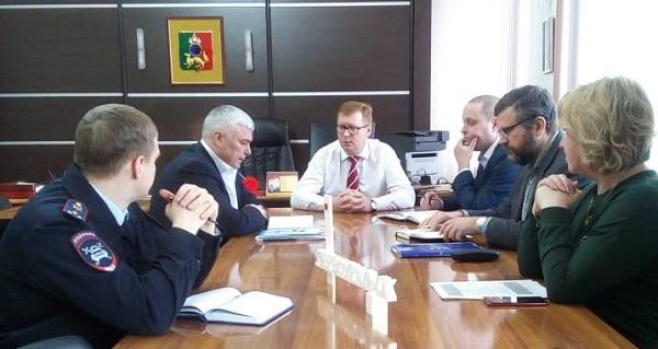 Партпроект «Безопасные дороги» провел совещание в Первоуральске