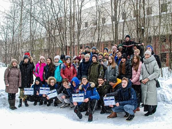 Молодогвардейцы Екатеринбурга провели «Зарницу» для восьмиклассников школы № 19