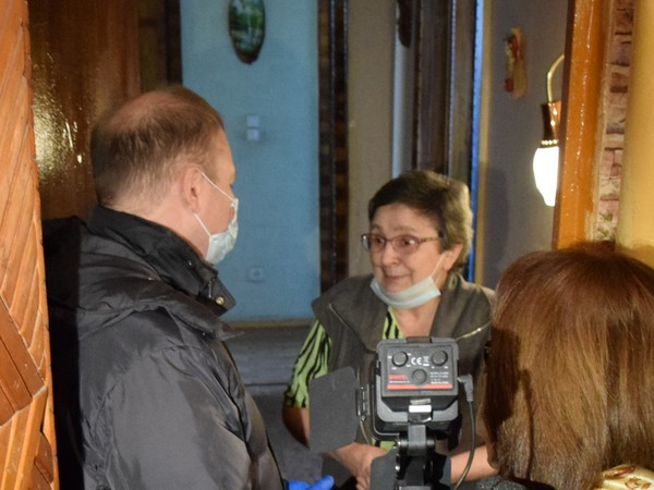 Волонтерский центр ЕР оказывает помощь пожилым гражданам