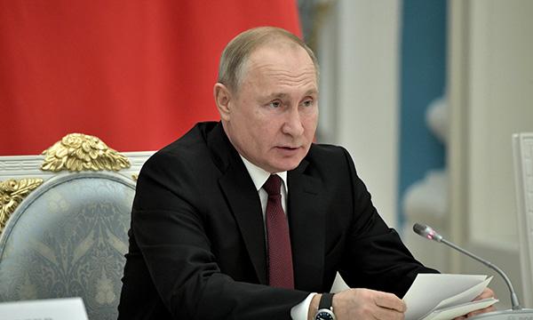 Путин распорядился выделить 70 млрд рублей на новые бюджетные места в вузах