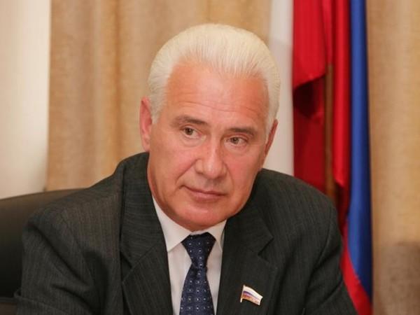 Виктор Якимов: «В Каменске-Уральском сдали первый благоустроенный двор»