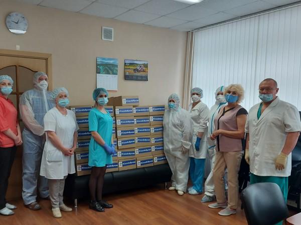 Финальный аккорд: врачи Ачита и Красноуфимска получили продуктовые наборы от «Единой России»
