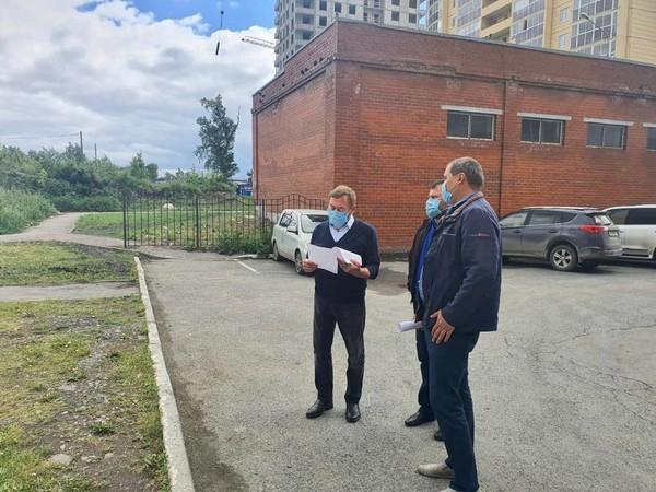 Валентин Лаппо: «Благоустройство дворов в Железнодорожном районе идет по графику»