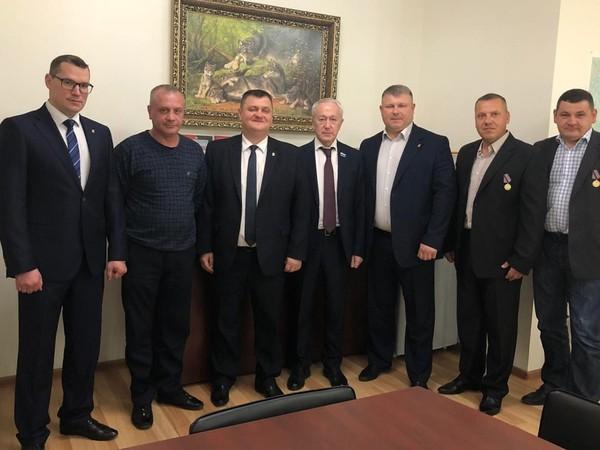Вячеслав Погудин поздравил ветеранов ОМОН
