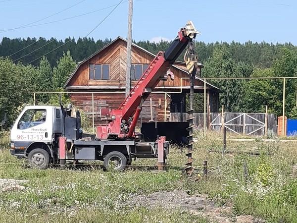 Под контролем партии: в Белоярском районе строят фельдшерско-акушерский пункт