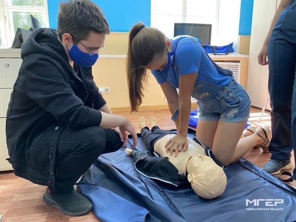 Молодогвардейцы начали подготовку для выполнения работ в зоне ситуационных ЧС (ФОТО)